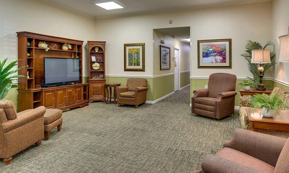 Auburn Creek Senior Living TV Room