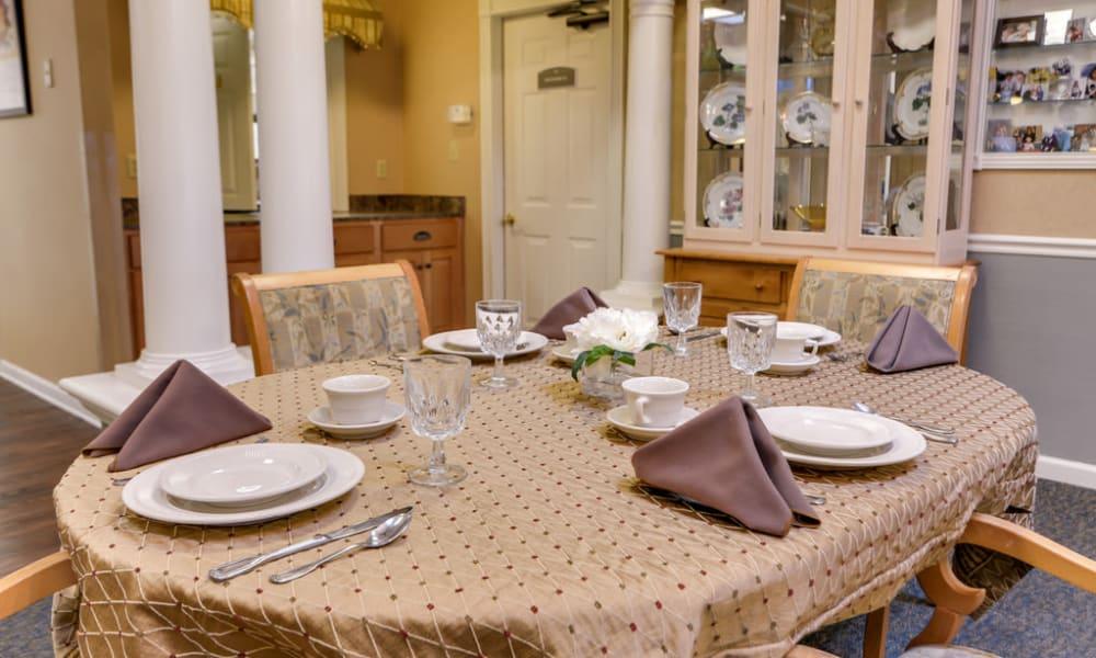 Dining table at Auburn Creek Senior Living