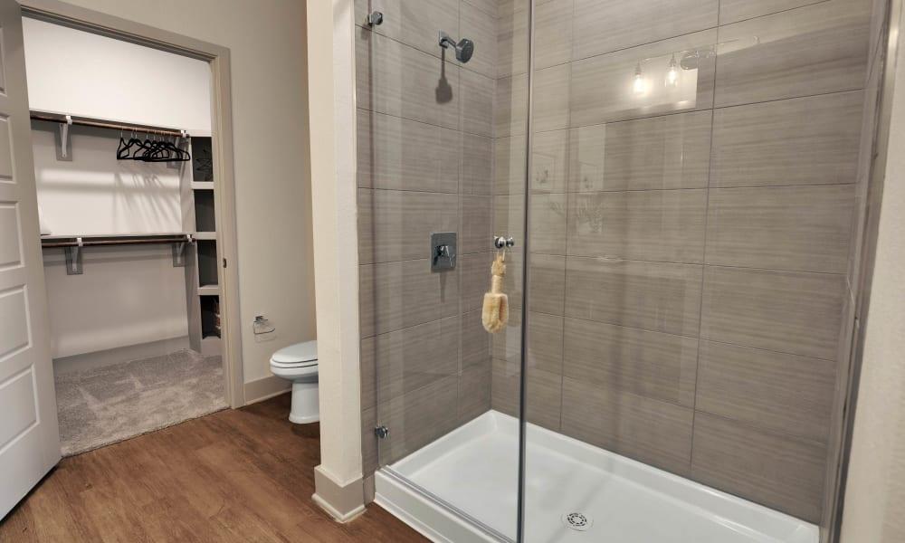 Alta Tech Ridge in Austin, Texas offers a bathroom
