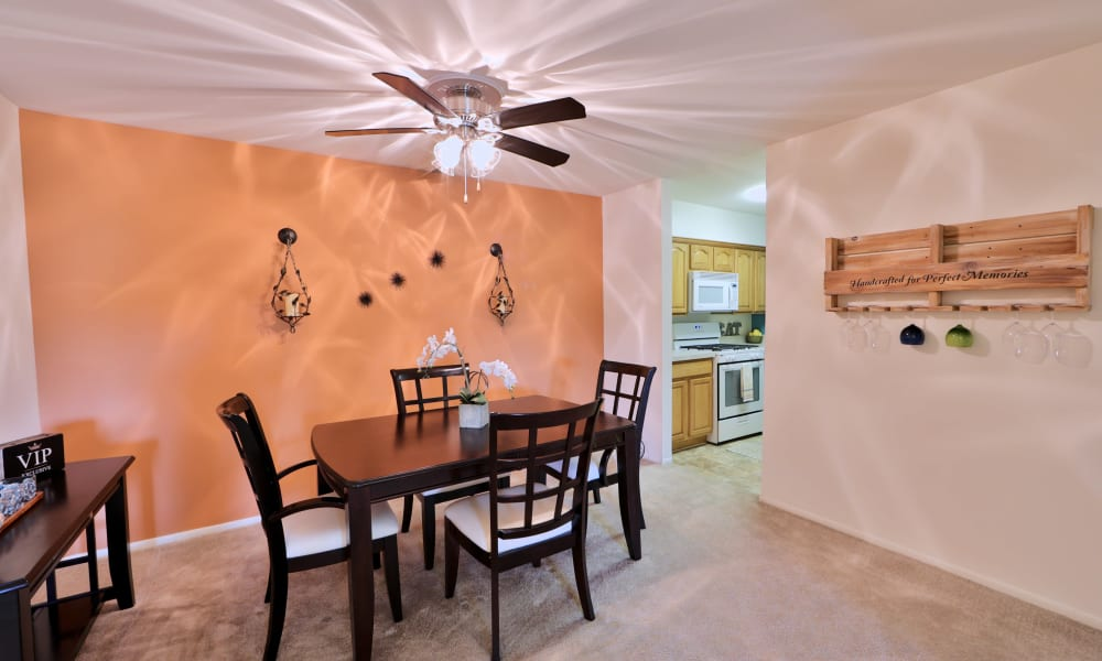 Dining Room Area at Lakewood Hills Apartments & Townhomes in Harrisburg, Pennsylvania