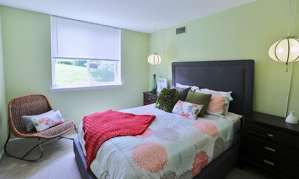 Bedroom at Lakewood Hills Apartments & Townhomes in Harrisburg, Pennsylvania