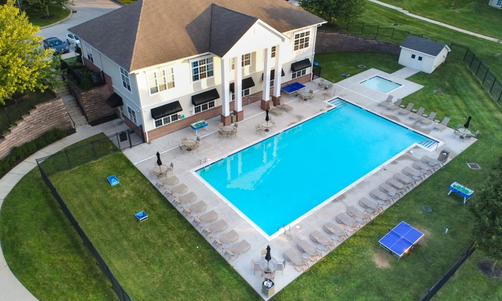 Enjoy Apartments with a Swimming Pool at Stonegate at Devon Apartments