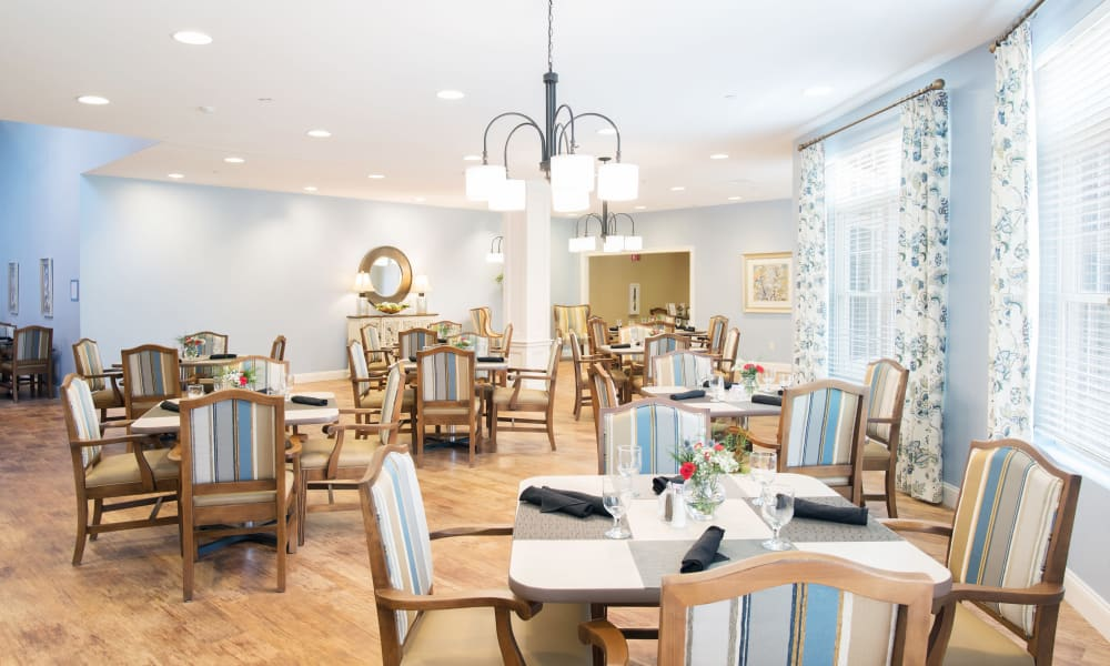 A large dining room at Keystone Place at Wooster Heights in Danbury, Connecticut