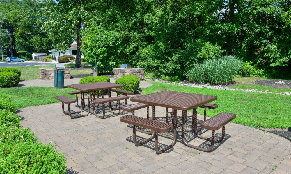Enjoy Apartments with a an Outdoor Picnic Area at Willowbrook Apartments