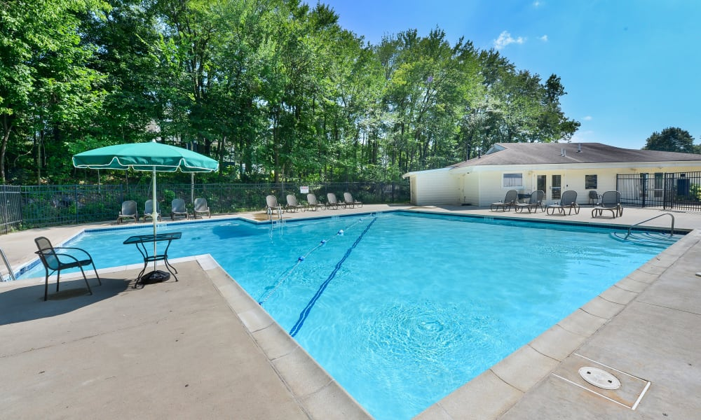 Enjoy Apartments with a Swimming Pool at Willowbrook Apartments