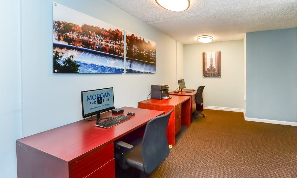 Sherwood Crossing Apartments & Townhomes offers a Business Center in Philadelphia, Pennsylvania