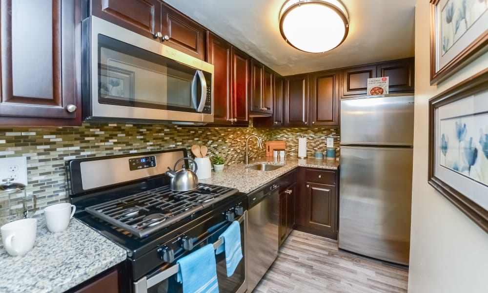 Upscale Kitchen at Sherwood Crossing Apartments & Townhomes in Philadelphia, Pennsylvania