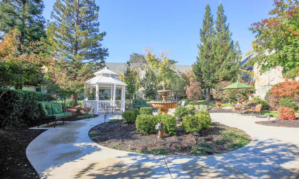 Courtyard at Blossom Vale Senior Living in Orangevale, California