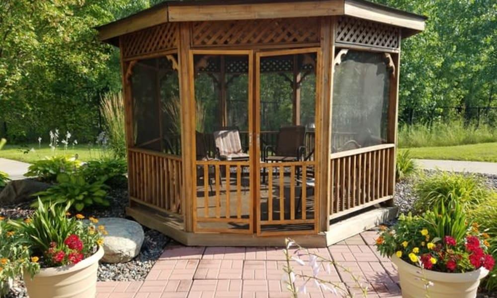 An outdoor gazebo at Parkway Gardens Senior Apartment Community in Saint Paul, Minnesota