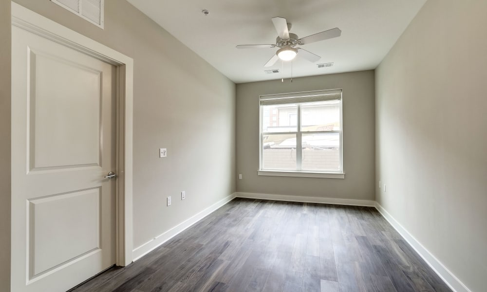 Fenton Silver Spring in Silver Spring, Maryland offers a living room