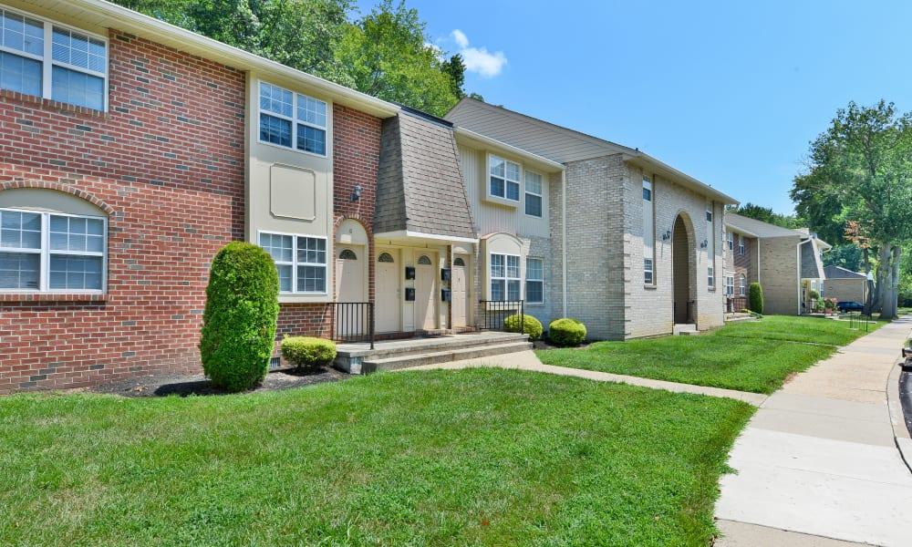 Exterior of Moorestowne Woods Apartment Homes in Moorestown, New Jersey