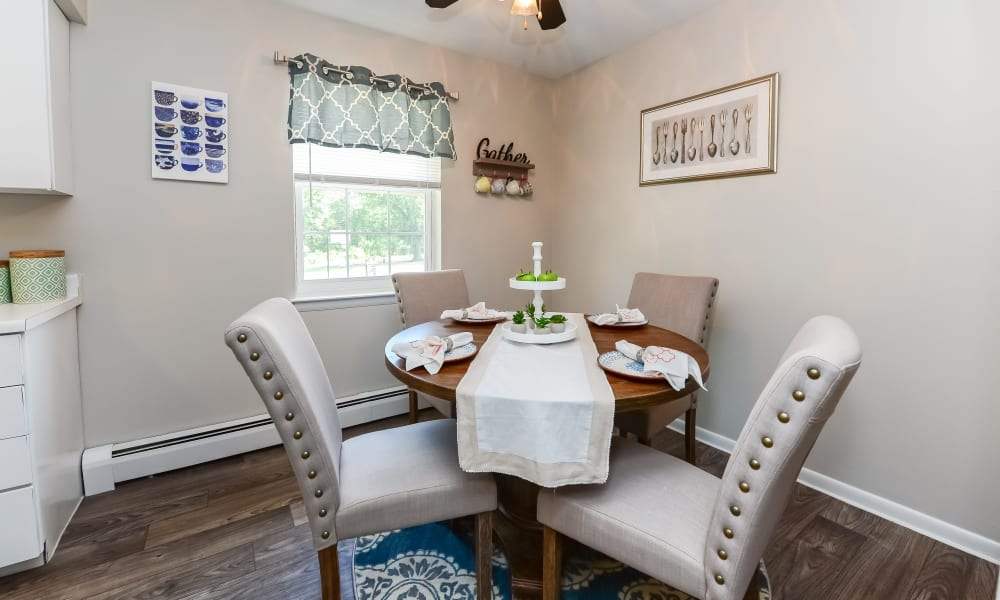 Dining Room at Roberts Mill Apartments & Townhomes in Maple Shade, New Jersey