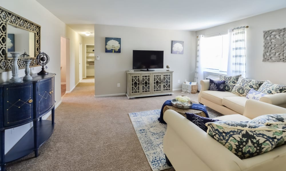 Spacious Living Room at Roberts Mill Apartments & Townhomes in Maple Shade, New Jersey