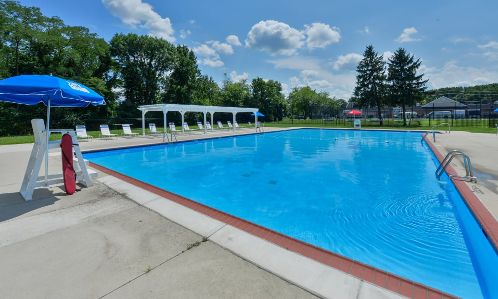 Enjoy Apartments with a Swimming Pool at Roberts Mill Apartments & Townhomes