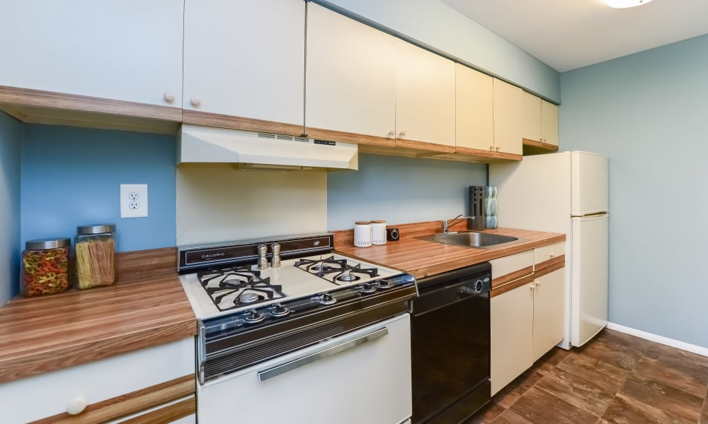 Kitchen at Brookside Manor Apartments & Townhomes in Lansdale, Pennsylvania