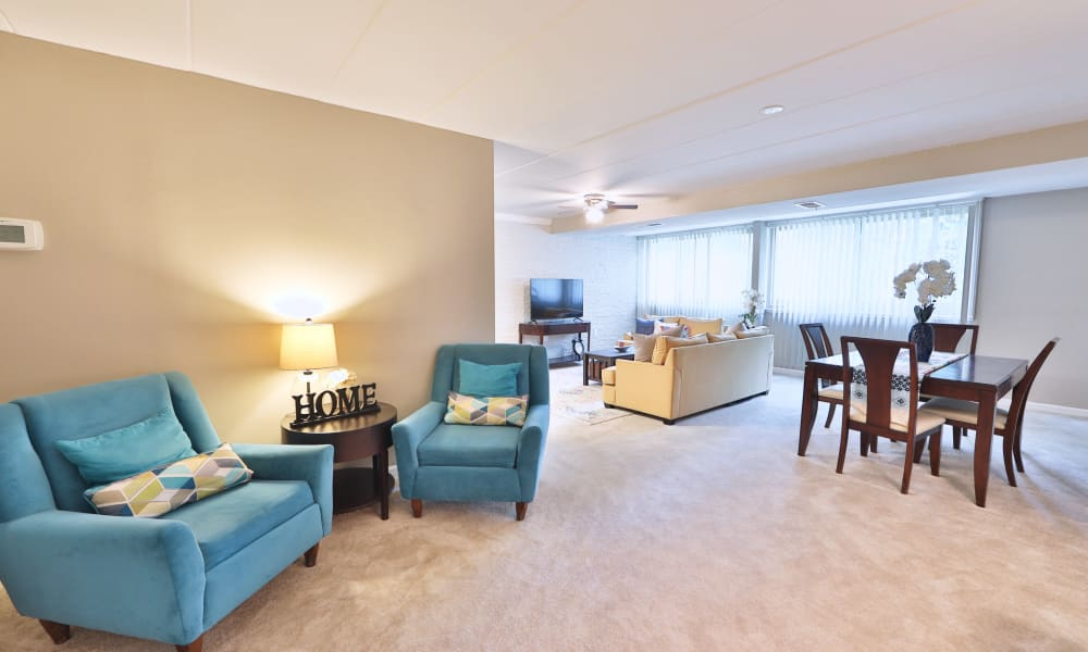 Living Room at The Reserve at Greenspring in Baltimore, MD