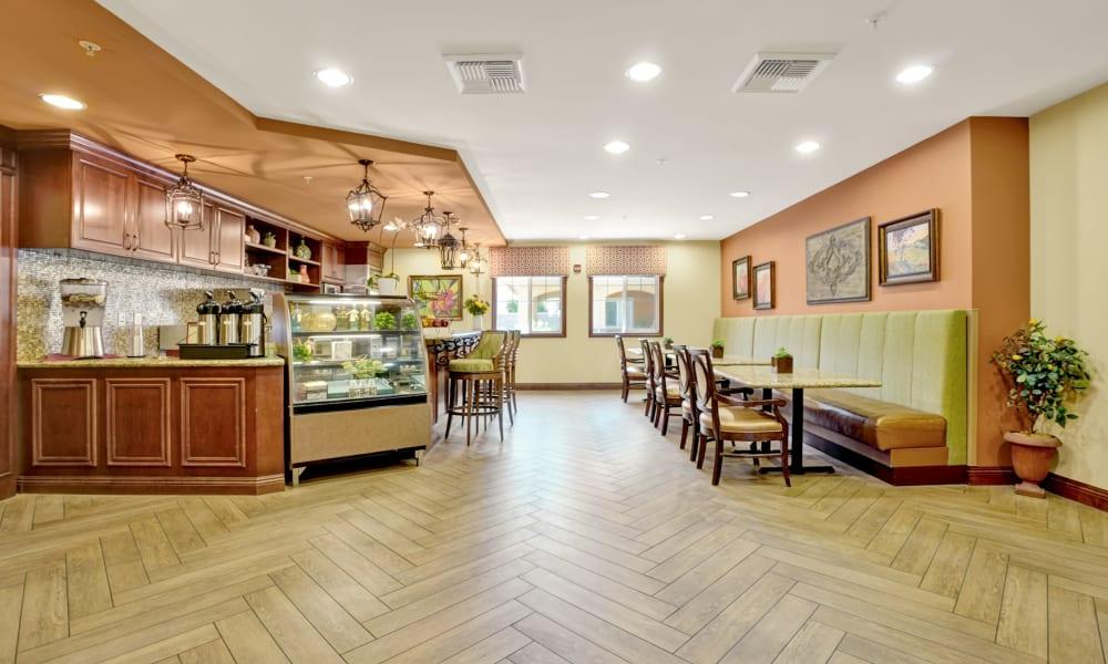 dining area at Estancia Del Sol