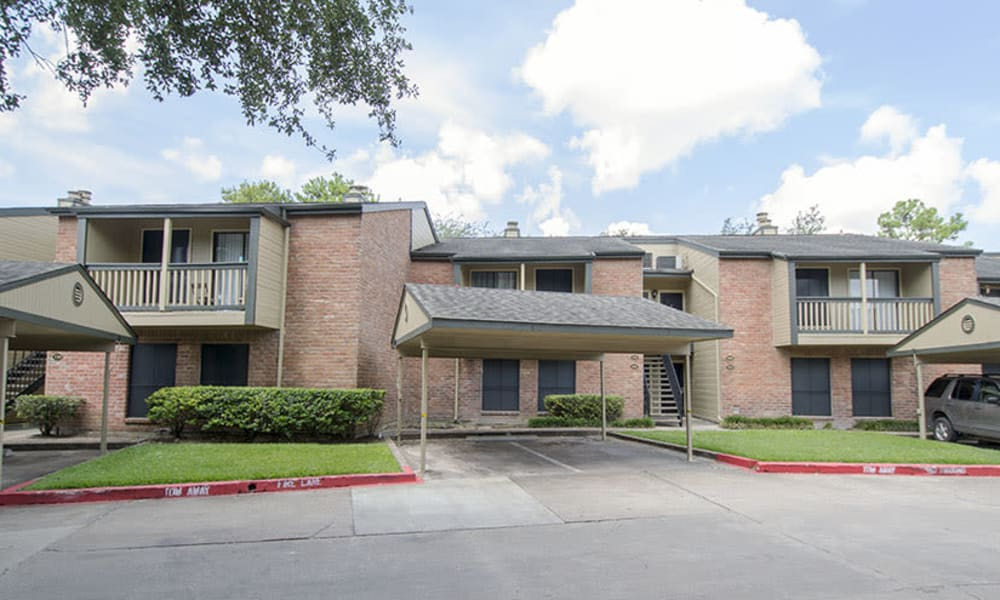 Exterior of apartment buildings at Stonecrossing of Westchase in Houston, Texas.