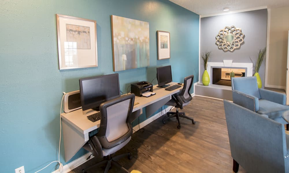 Resident business center in the clubhouse at Stonecrossing of Westchase in Houston, Texas.