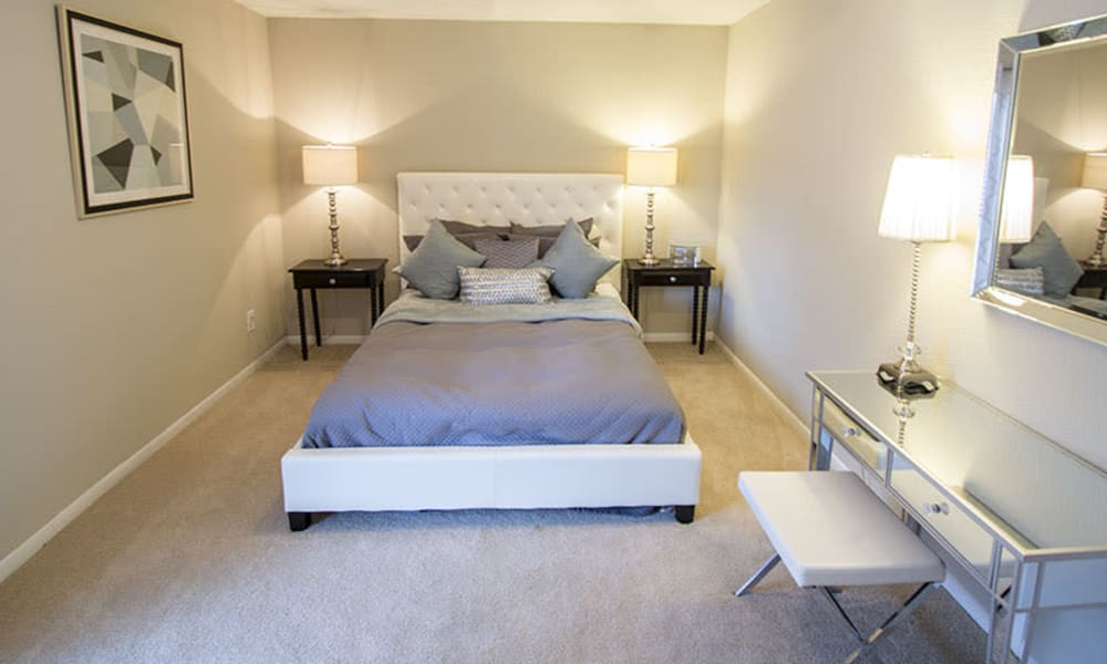 Large resident bedroom at Stonecrossing of Westchase in Houston, Texas.