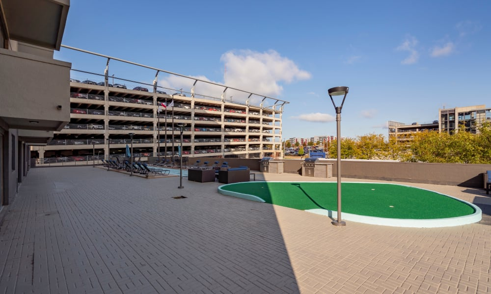 The Parker @ Seventh in Des Moines, Iowa offers a putting green