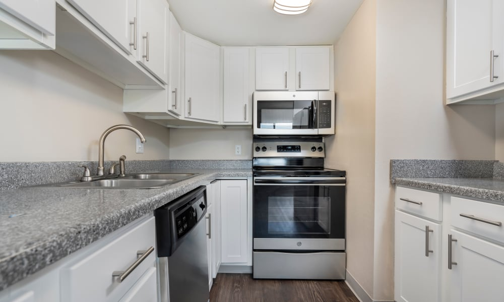Our Apartments in Des Moines, Iowa offer a Kitchen
