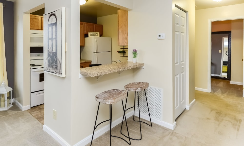 Dining area at Fox Run Apartments & Townhomes in Bear, DE