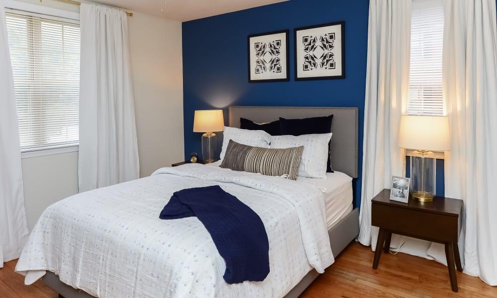 Cozy bedroom at The Villas at Bryn Mawr Apartment Homes