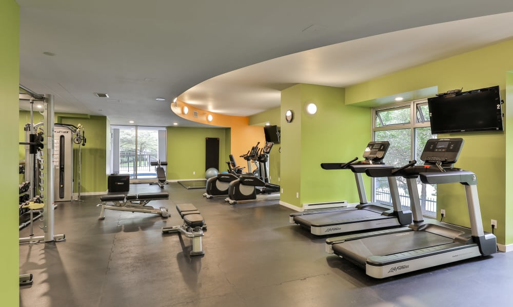 Yaletown 939 offers a state-of-the-art fitness center in Vancouver, British Columbia