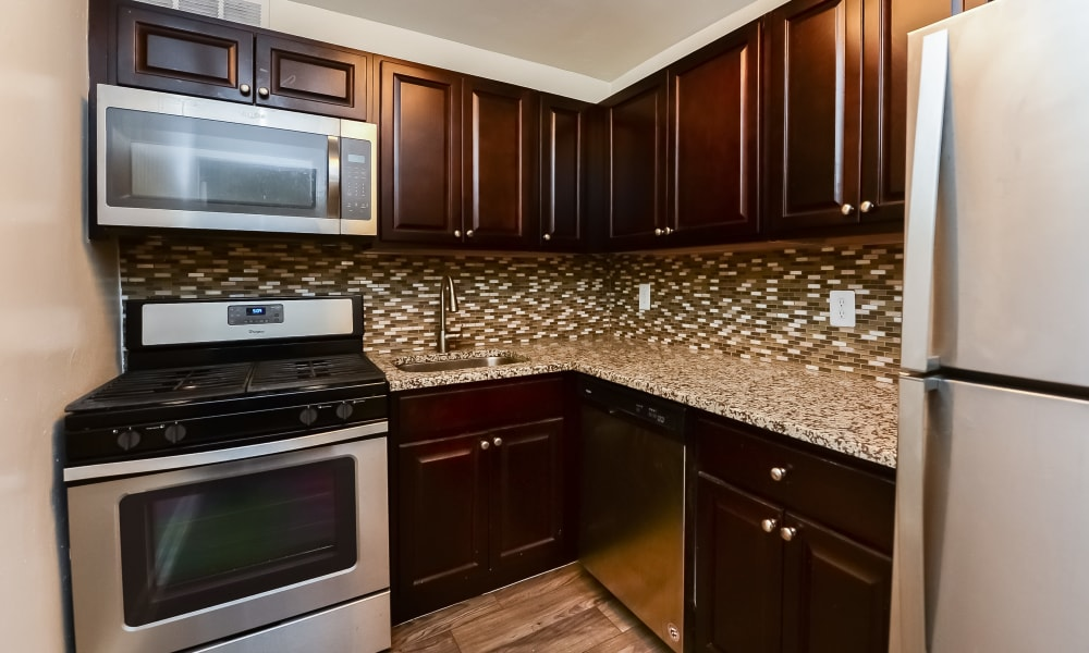 Modern kitchen at Parkview at Collingswood Apartment Homes in Collingswood, New Jersey