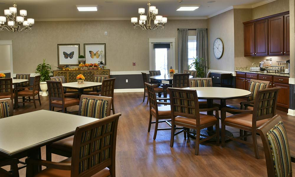 Dining at NorthRidge Place in Lebanon, Missouri