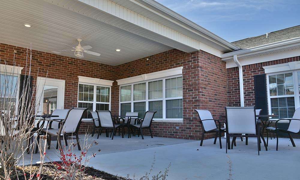Outdoor Living Space at NorthRidge Place in Lebanon, Missouri