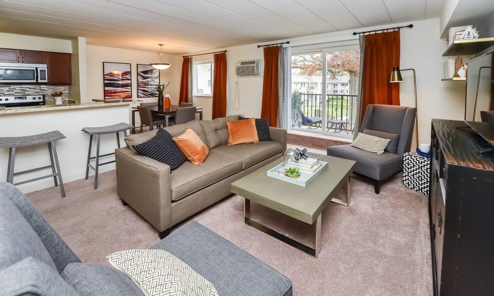 Stonegate at Devon Apartments offers a Modern Living Room in Devon, Pennsylvania