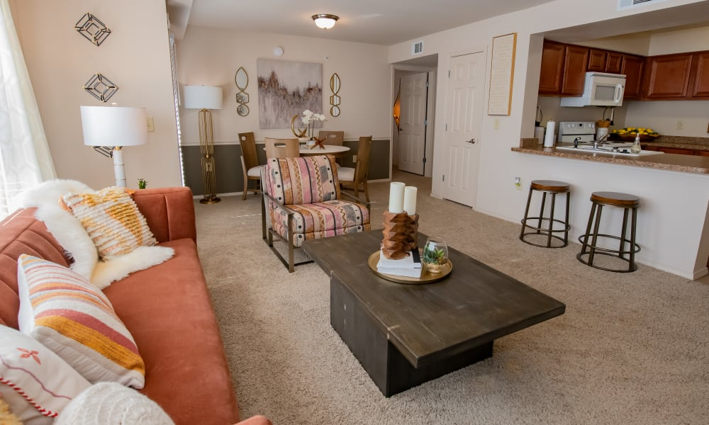 The living room at Nickel Creek Apartments in Tulsa, Oklahoma