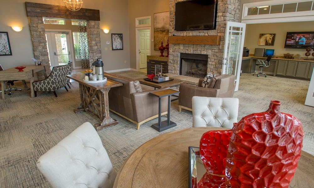 The lobby area at Nickel Creek Apartments in Tulsa, Oklahoma
