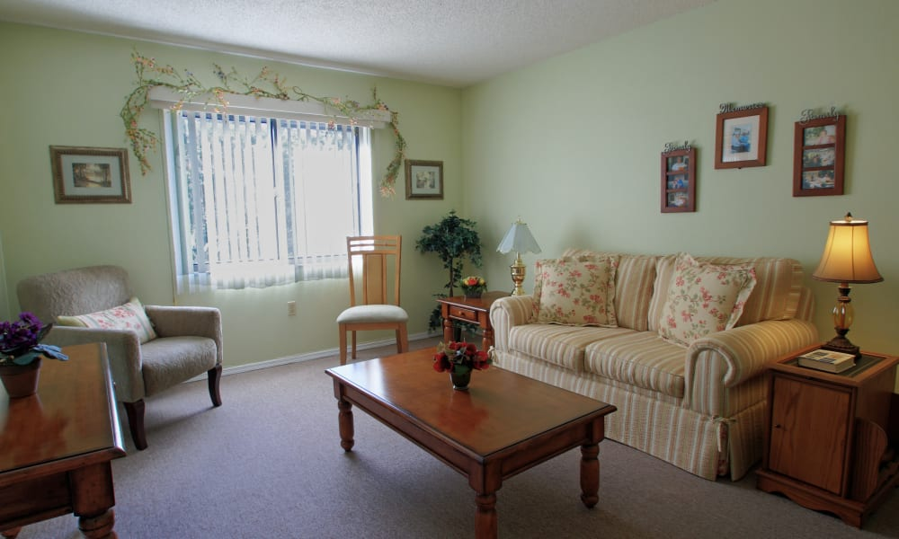 Inside of a living room at Bradenton Oaks in Bradenton, Florida