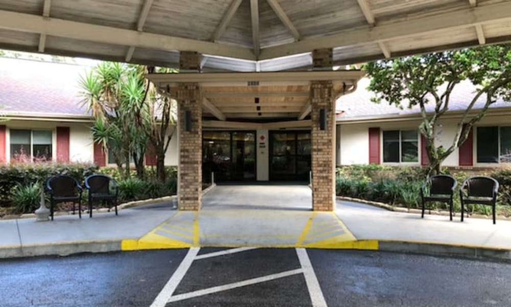 The front entrance to Forest Oaks of Spring Hill in Spring Hill, Florida