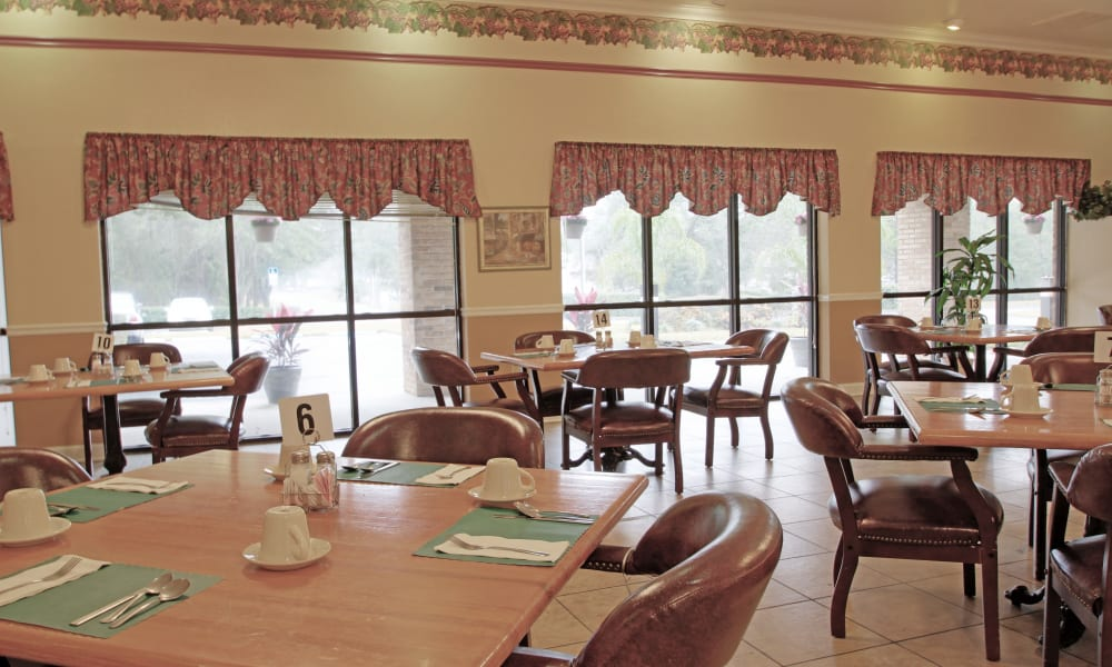 The dining room at Spring Oaks in Brooksville, Florida