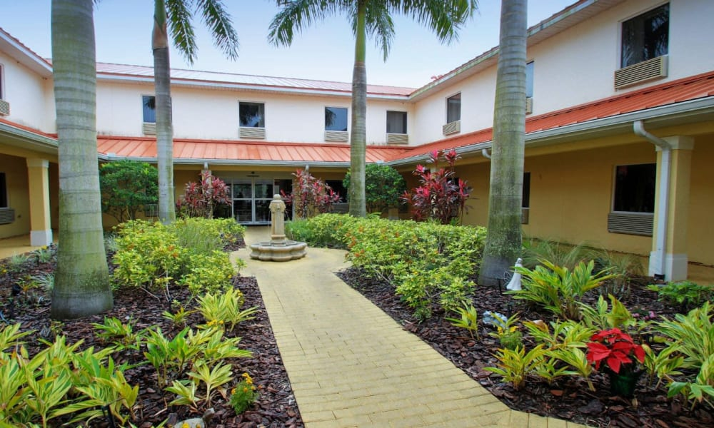 Lush landscaping at Balmoral Assisted Living in Lake Placid, Florida