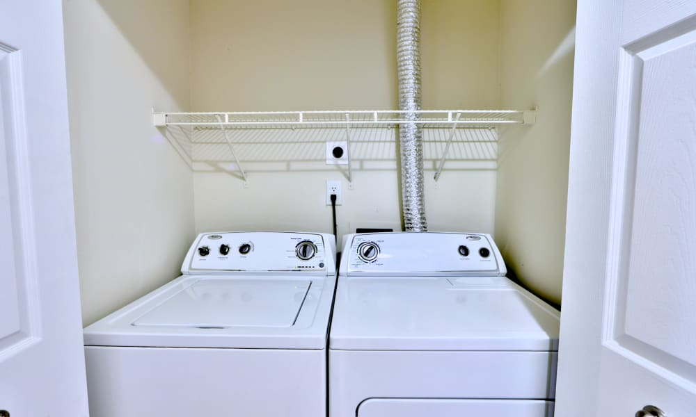 Apartments with Washer/Dryers at Chesapeake Glen Apartment Homes in Glen Burnie, MD