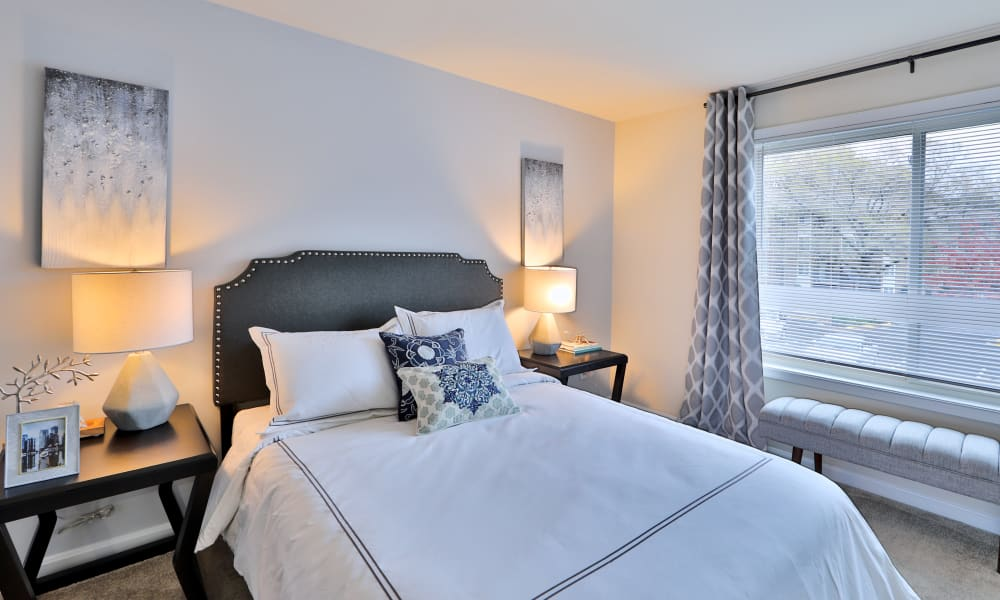 Cozy Bedroom at Chesapeake Glen Apartment Homes | Apartments in Glen Burnie, MD