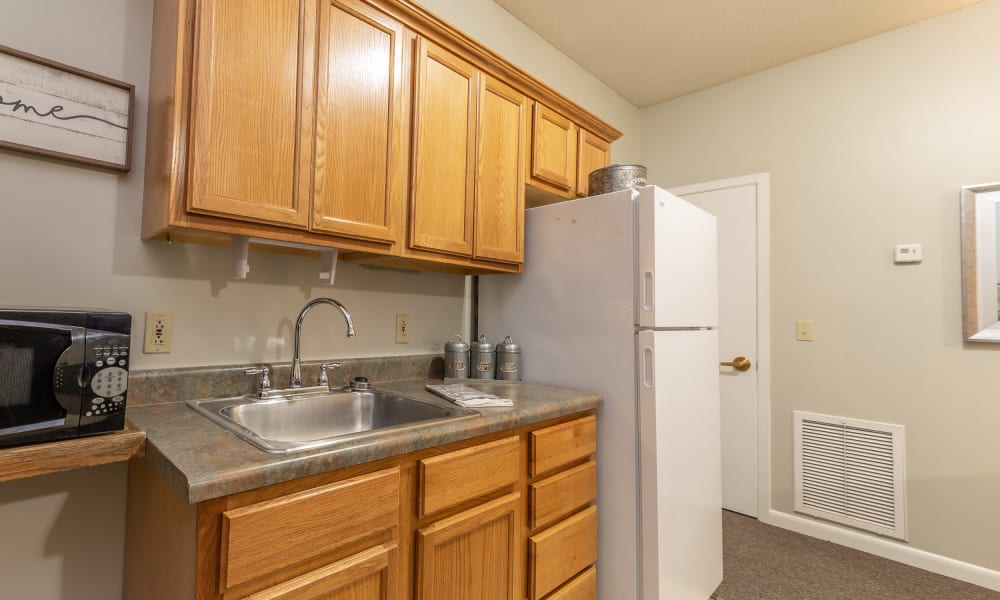 A kitchen at Rosewood Assisted Living in Lafayette, Louisiana