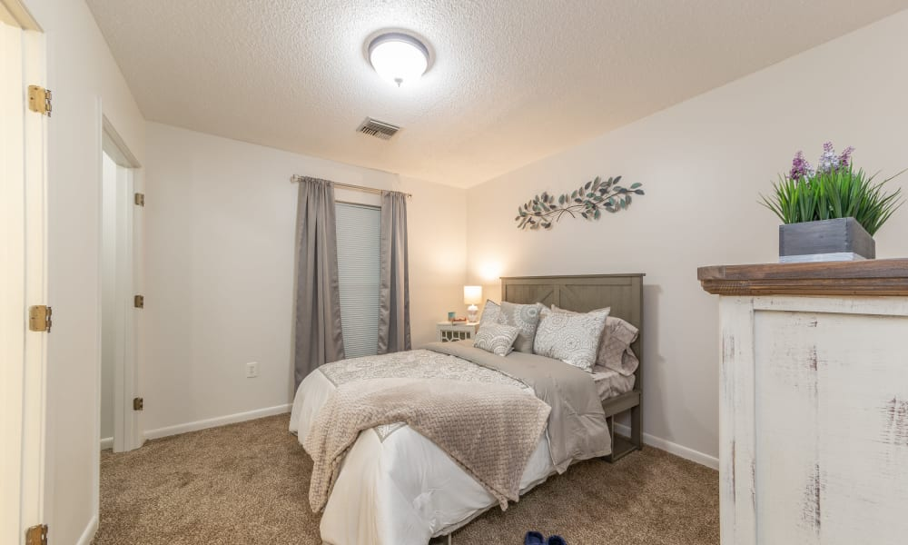 A bedroom at Rosewood Assisted Living in Lafayette, Louisiana
