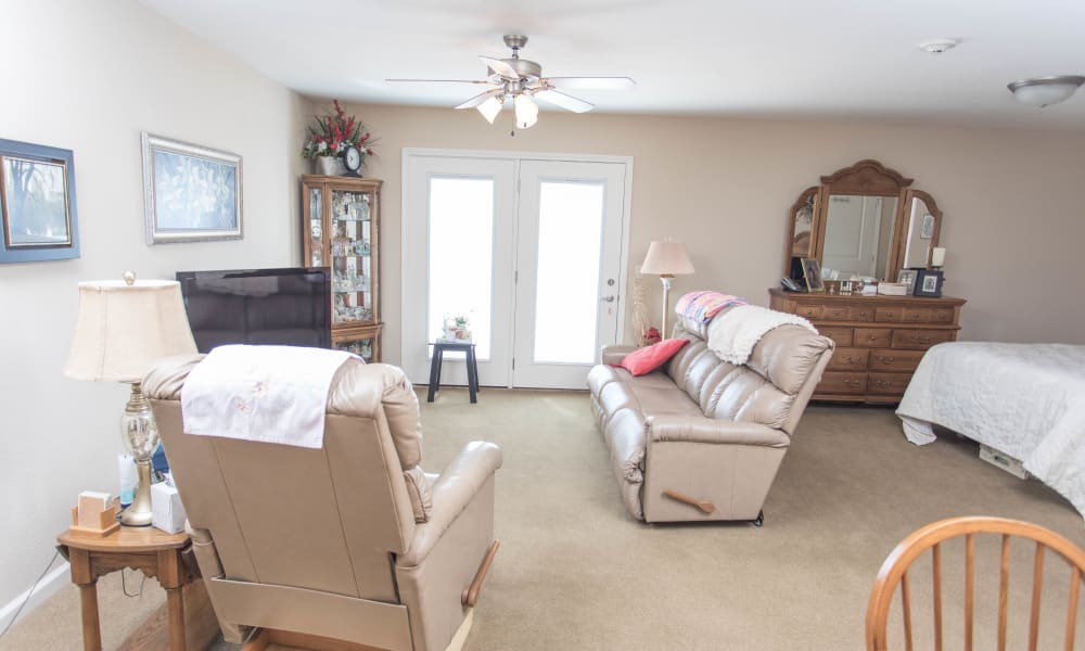 Furnished apartment home at Villas of Holly Brook Newton in Newton, Illinois