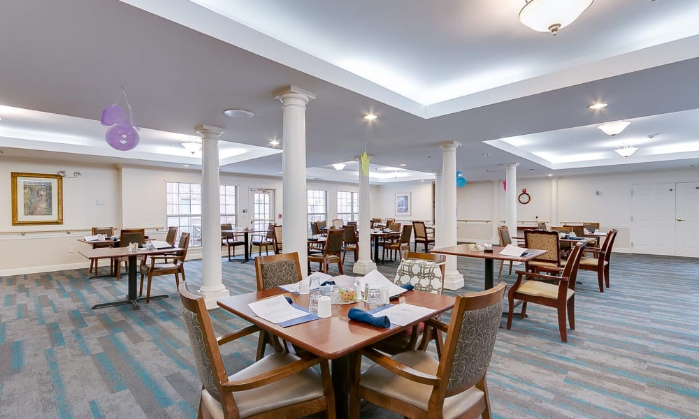 Independent living with large dining hall at Brentwood at Hobart in Hobart, Indiana