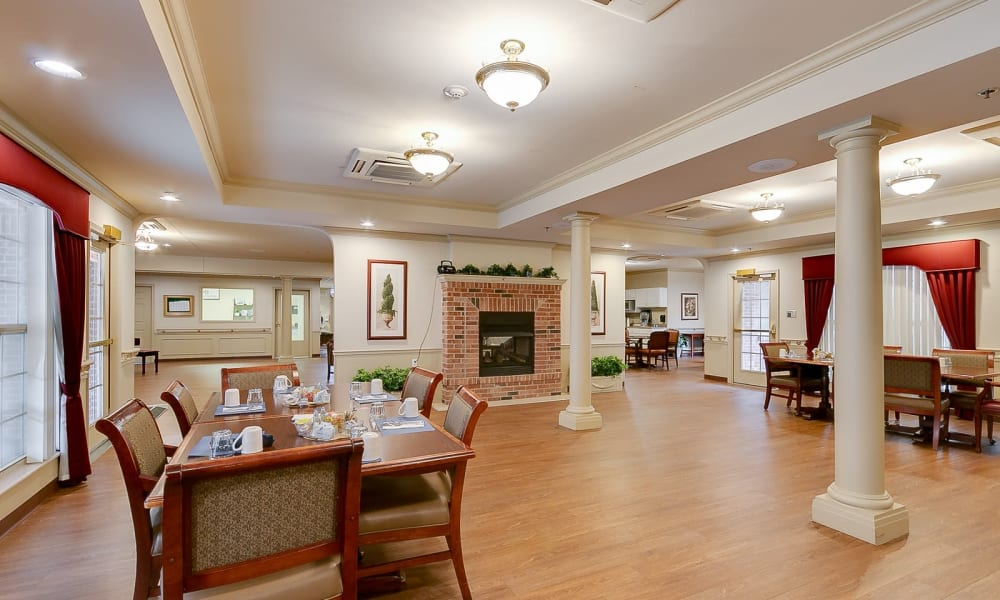 Independent living dining hall at Brentwood at Hobart in Hobart, Indiana