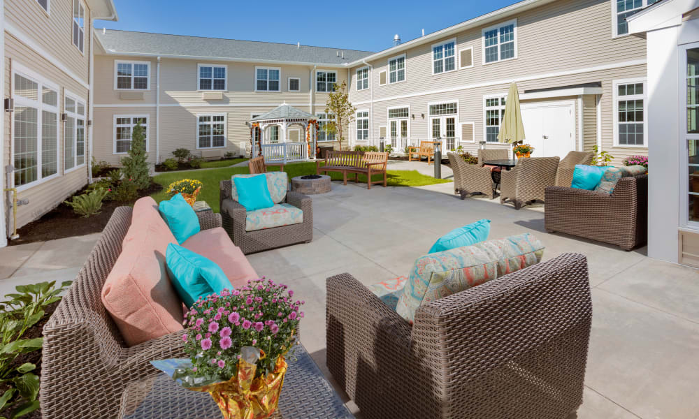 Courtyard furniture at Brooklyn Pointe in Brooklyn, Ohio