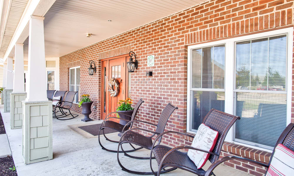 Patio seating at Landings of Huber Heights in Huber Heights, Ohio