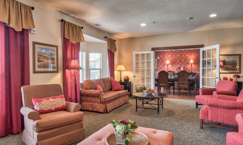 Common area with pink accents at Landings of Oregon in Oregon, Ohio
