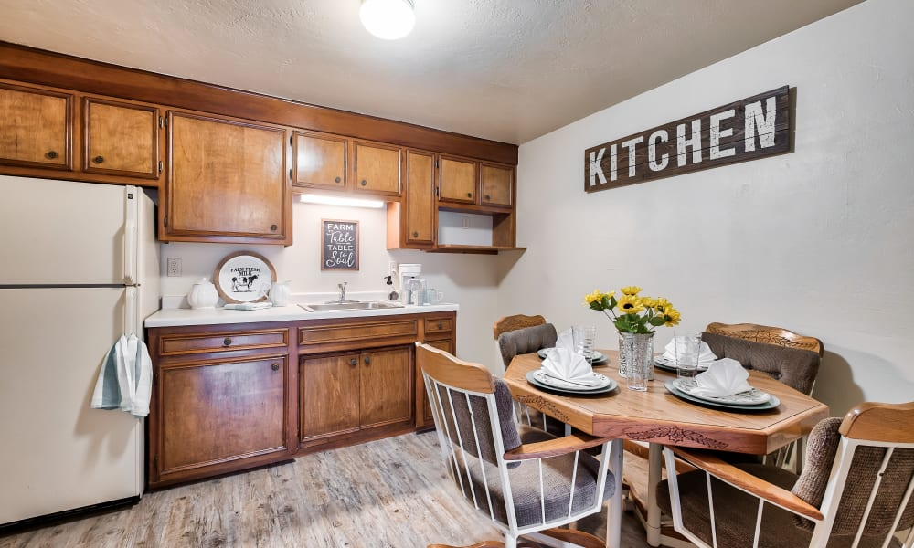 A quaint kitchen at Birch Creek in De Pere, Wisconsin